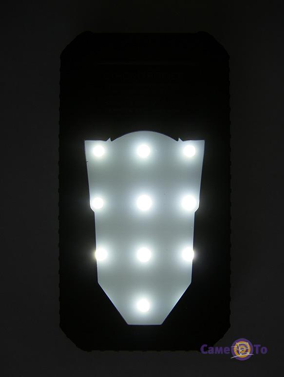 Повербанк (внешний аккумулятор) с фонарем на солнечной батарее Strong Power Bank 3816, 50000mAh