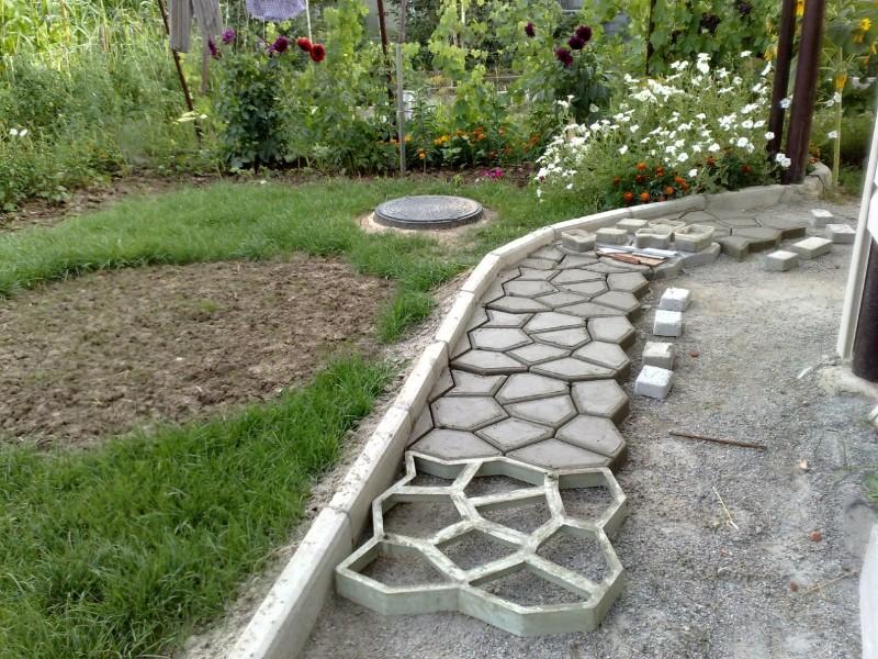 Дорожки для сада и огорода своими руками
