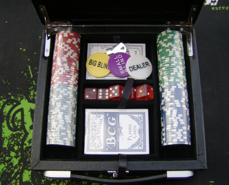 Покерный набор 100 фишек, кейс - кожа