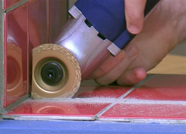 Многофункциональный электроинструмент реноватор «Мультирезка»