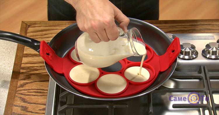 Силиконовая форма для выпечки оладий и яичницы