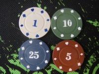 Фішки для покеру з номіналом