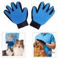 Рукавичка для вичісування тварин True Touch Deshedding Glove (рукавиця для шерсті)